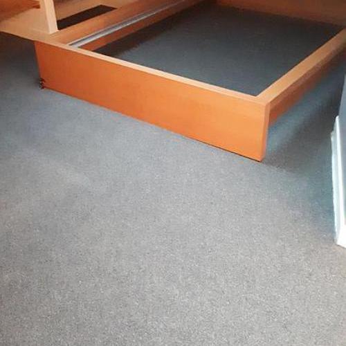 Remplacement de la moquette par des lames PVC